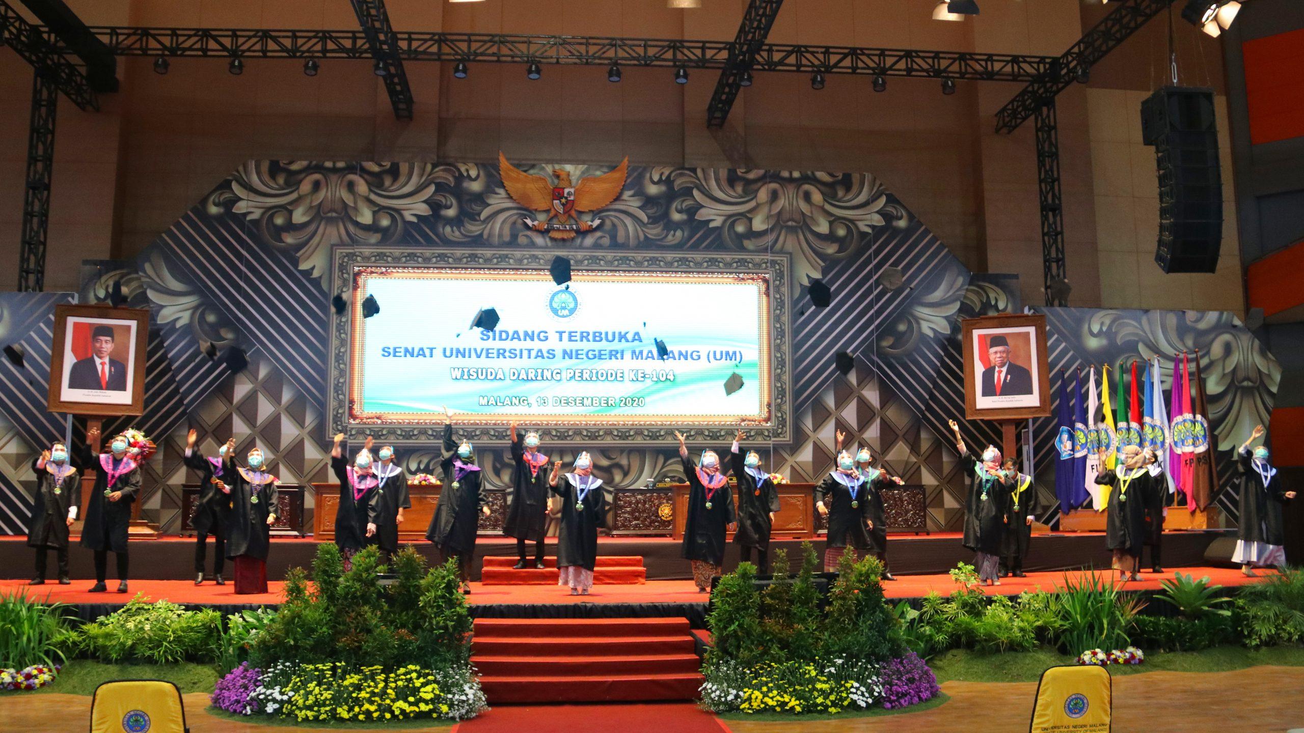 Photo of Dokumentasi Wisuda Daring Universitas Negeri Malang (UM) Periode ke-104 Tahun 2020